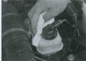 дозаправка жидкости Renault 25