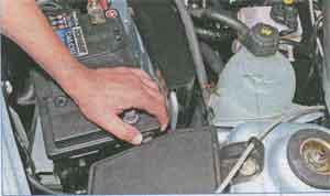 фиксатор крышки Renault Logan