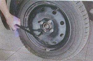 крепление колеса Renault Logan