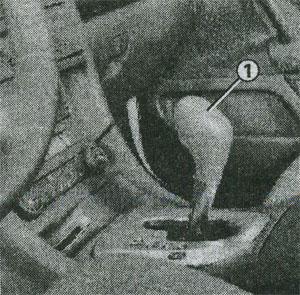 Селектор в положении D Renault Vel Satis